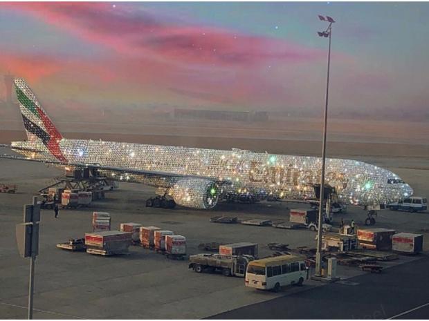 تعرف على حقيقة صورة طائرة الإمارات المرصعة بالألماس