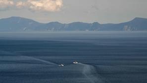 المحيط الهادي يغير خارطة اليابان ويبتلع جزيرة تحت المياه الباردة