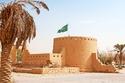 ما رأيك في قلاع السعودية أنها تحفة معمارية أثرية توثق تاريخ