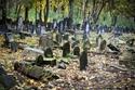 السياحة في وارسو  شارع أوكوبوا المقبرة اليهودية