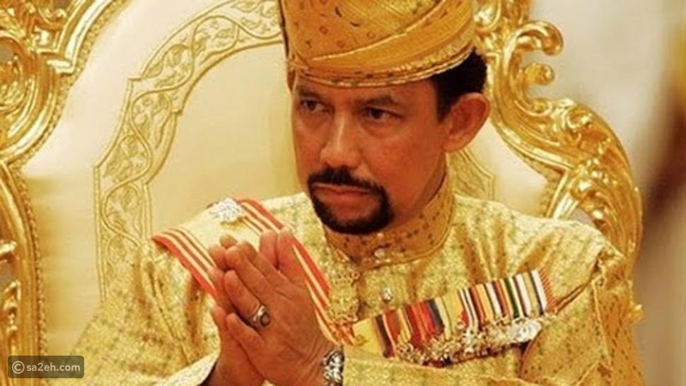 جولة وسط ممتلكات أغنى رئيس دولة في العالم: شاهد قصره وعرشه المذهب