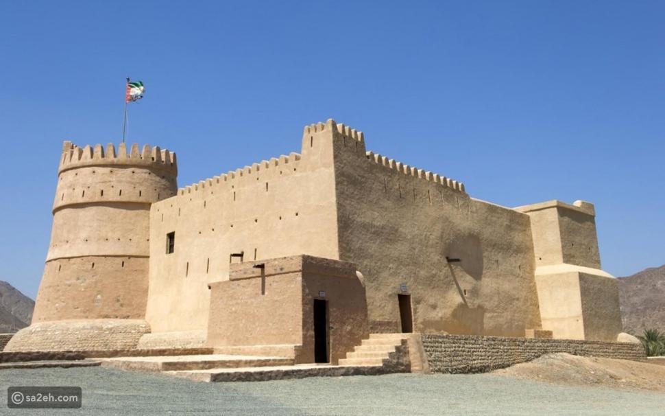 أبرز الأماكن السياحية في رأس الخيمة: طبيعة خلابة ومغامرات وترفيه