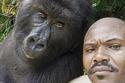 ما رأيك في سيلفي مع القرود في حديقة القرود