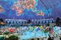 الألعاب النارية والاحتفاء بالعالم  وأعلام العالم كله ترفع في دبي