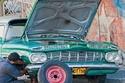 لماذا تمتلك كوبا الكثير من السيارات القديمة؟