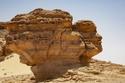السياحة في طنطورة التشكيلات الصخرية
