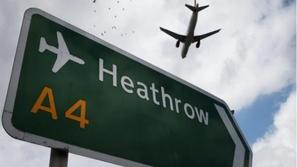 لماذا تمتلئ السماء بالطائرات رغم انخفاض أعداد المسافرين بسبب كورونا؟
