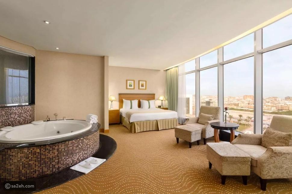 فندق رمادا الخبر: