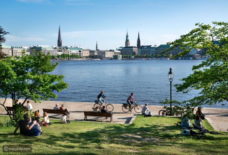هامبورغ.. مدينة الشمال الألماني الساحرة تجذب السياح بعروض مذهلة
