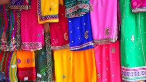 تقاليد الساري النابضة بالحياة في الهند