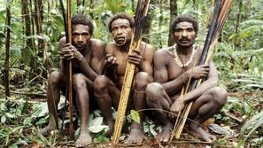 تقاليد القبائل حول العالم! صفات لن تصدقوها!