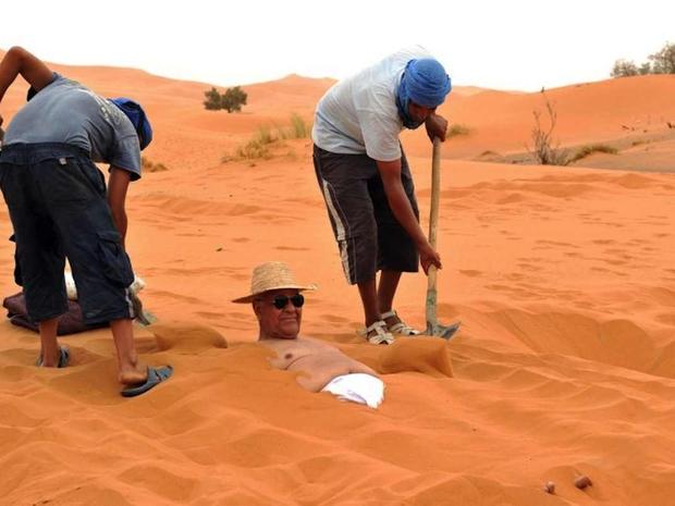 جرب العلاج بالرمال الساخنة في مصر للاستشفاء من ألم العظام