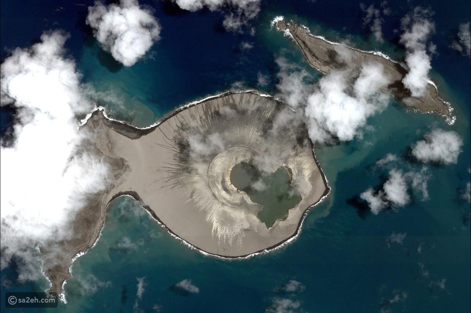 """ما حقيقة إكتشاف جزيرة غامضة ظهرت """"فجأة"""" في المحيط؟!"""