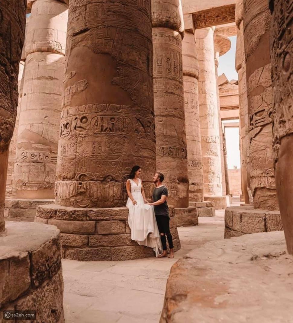 بصور ساحرة..زوجان ألمان يروجان للحضارة الفرعونية عبر مواقع التواصل