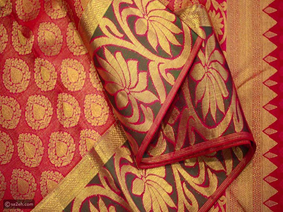 تاريخ تطور لباس الساري وتأثير الأنسجة الهندية في العالم