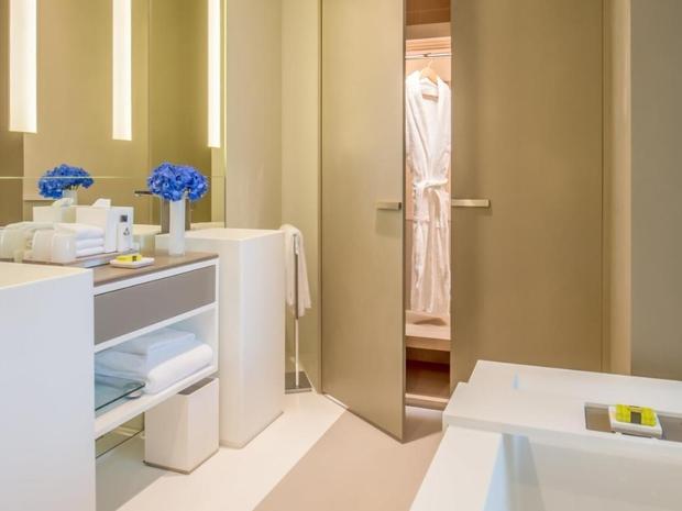 الرفاهية والخصوصية في الغرف في فندق ويندهام دبي مارينا
