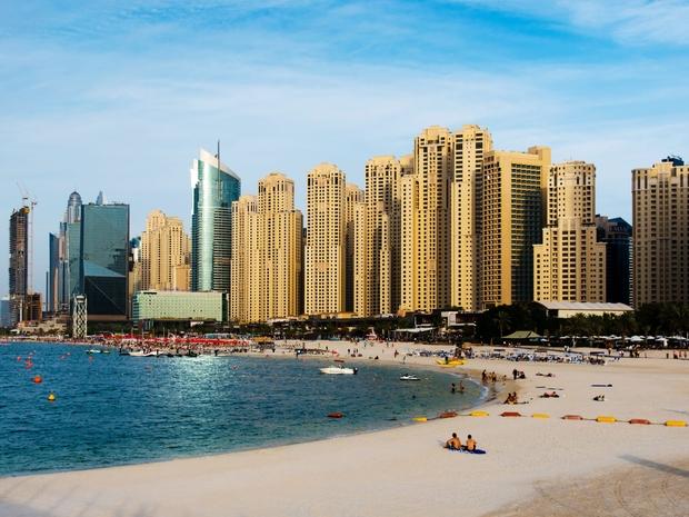 فندق ويندهام دبي مارينا والقرب من الشاطىء