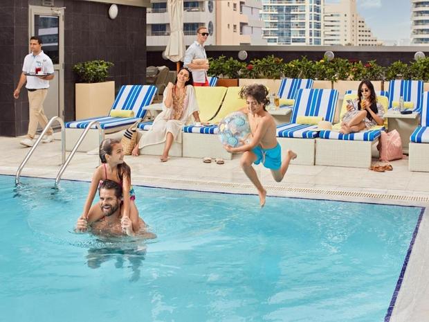 فندق ويندهام دبي مارينا ستسبح أنت وأطفالك في أجواء خاصة