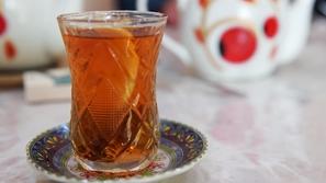 لا سكر لا زفاف: تعرف على قصة الشاي الحلو في الثقافة الأذربيجانية