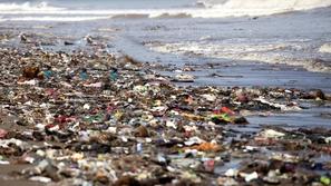 أكثر 10 بحار ملوثةٍ في العالم