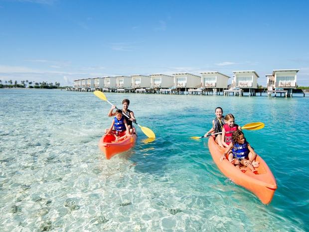الألعاب المائية وجولات سياحية في السيشل