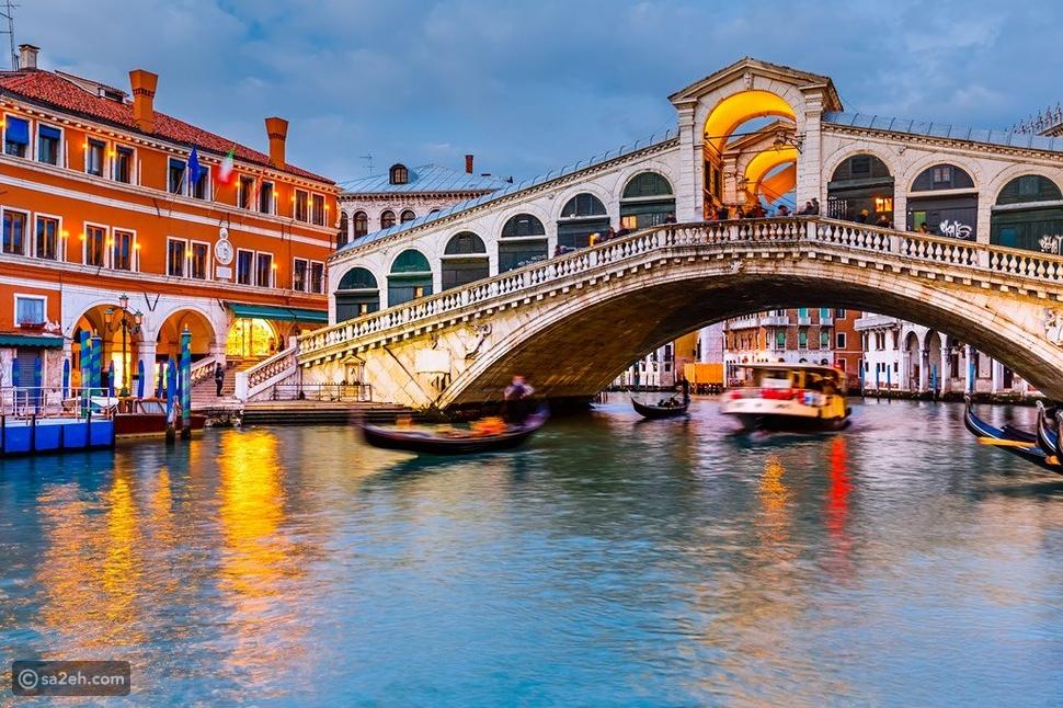 """مدينة فينيسيا """"البندقية"""" الإيطالية.. مدينة الرومانسية والعشاق!"""