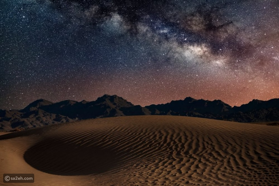 تتميز العلا بصفاء سمائها الذي يمكن من مشاهدة مثالية للنجوم ليلاً