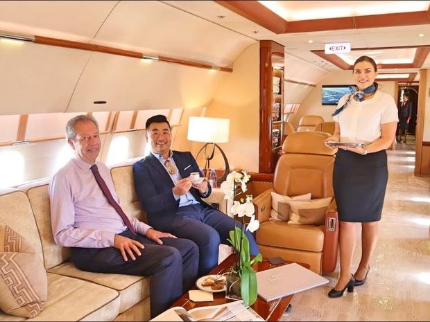 طائرة من أفخم الطائرات حول العالم لرجال الأعمال