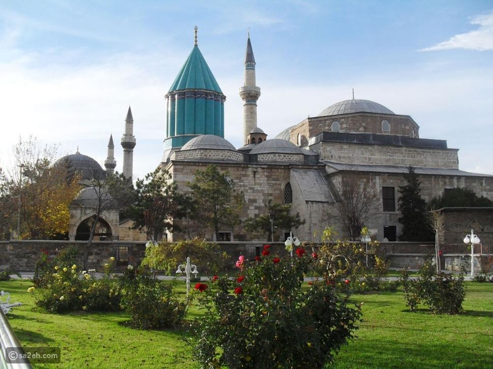 ضريح مولانا جلال الدين الرومي في قونية