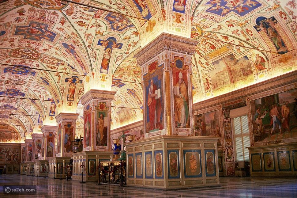 داخل كنائس الفاتيكان