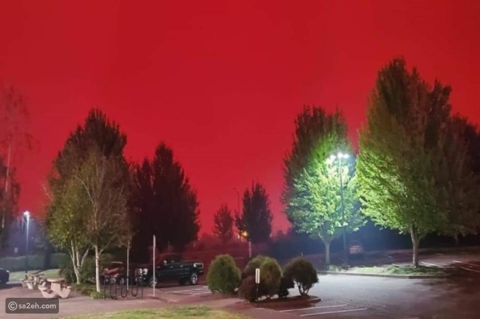 اللون الأحمر يكسو سماء كاليفورنيا: مشهد جميل وحزين