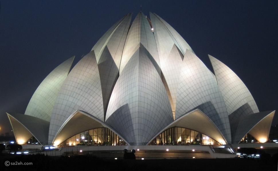 معبد اللوتس في الهند