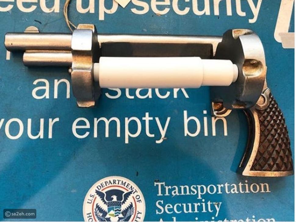 قنبلة وروث بهائم: أغرب 10 أغراض حاول المسافرون نقلها عبر الطائرة