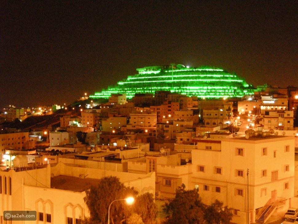 الجبل الأخضر ليلاً:
