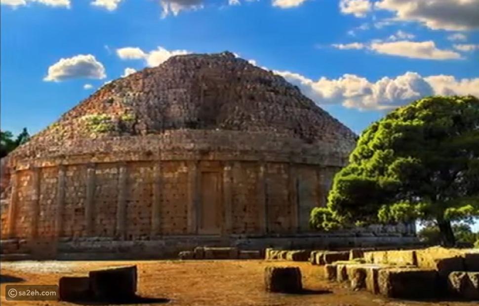 أهرامات الجزائر بنيت قبل اهرامات مصر، ومنها يرتفع 260م!