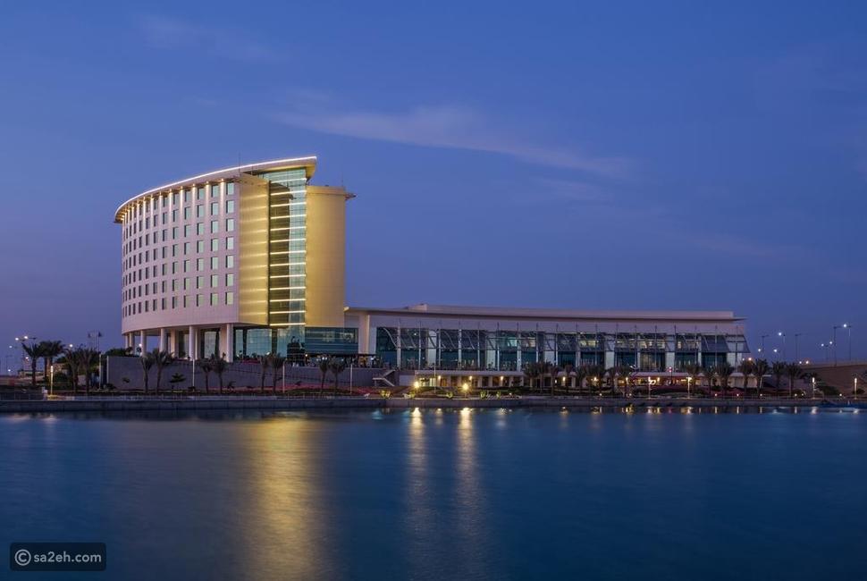السياحة في مدينة الملك عبدالله الاقتصادية سائح