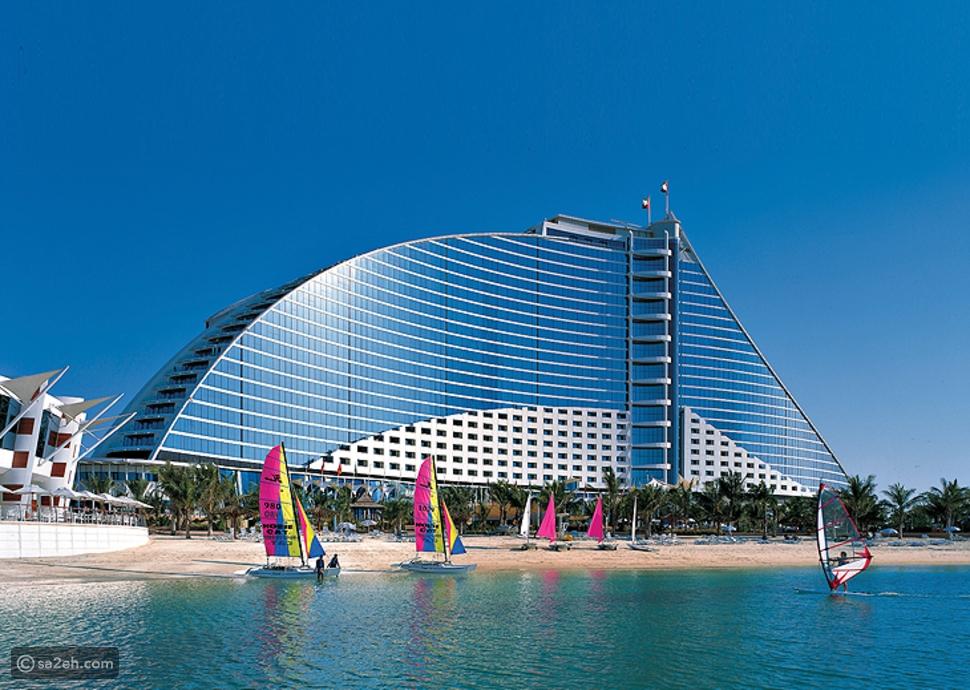 """رسوم جديدة على فنادق دبي.. هل يدفعها """"السائح""""؟!"""