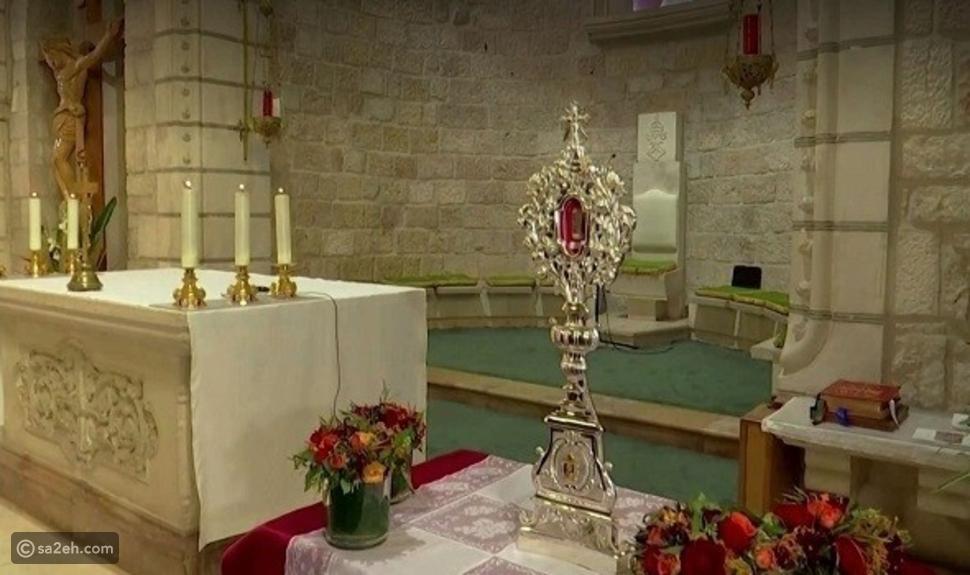 احتفالاً بعيد الميلاد: بيت لحم تتسلم قطعة أثرية تنسب لميلاد المسيح