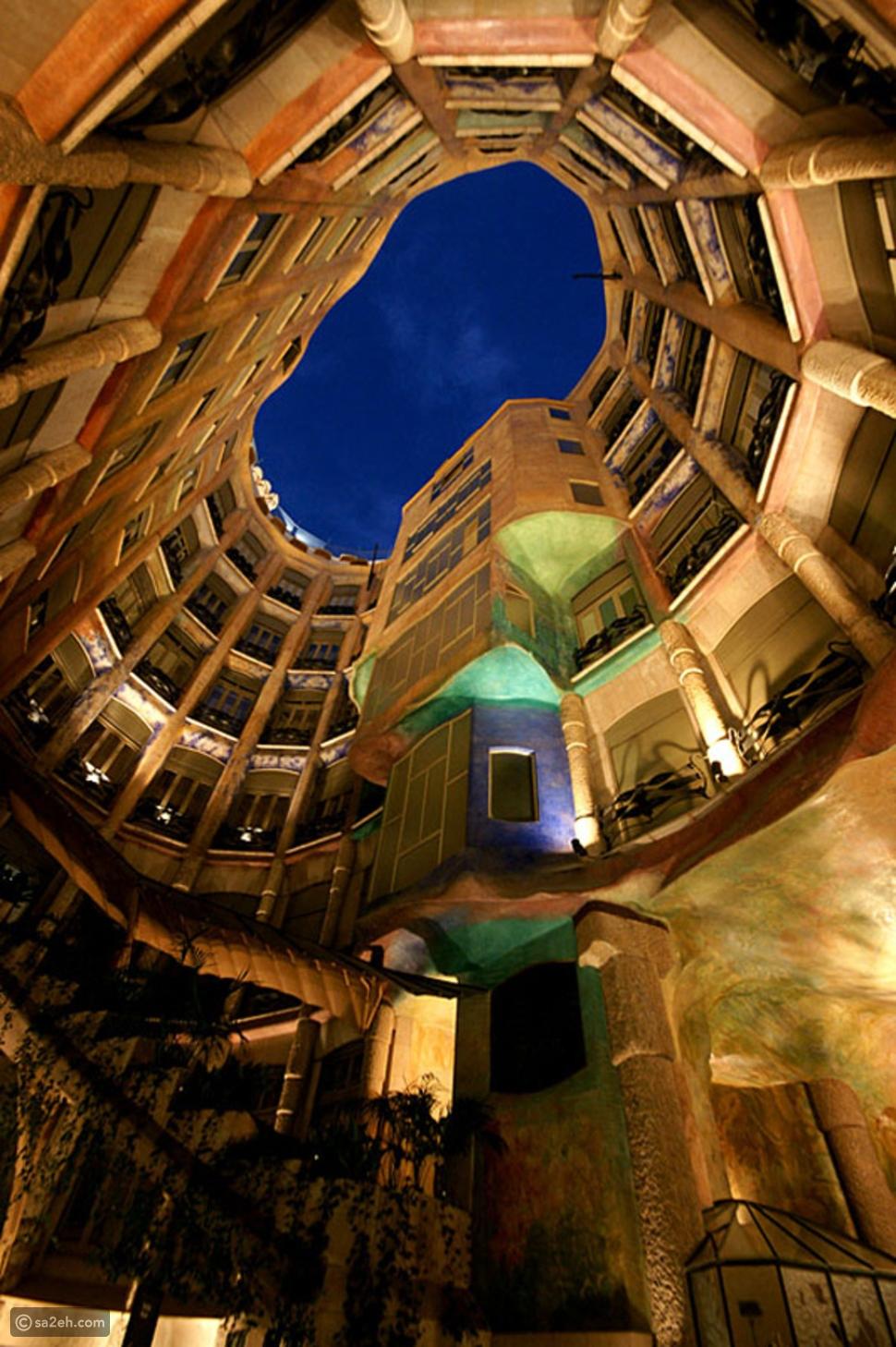 كازا ميلا: منزل أغرب من الخيال في برشلونة
