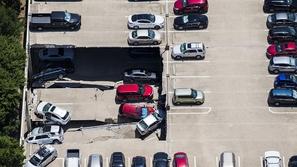 فيديو انهيار موقف سيارات طابقي في الولايات المتحدة الأمريكية!
