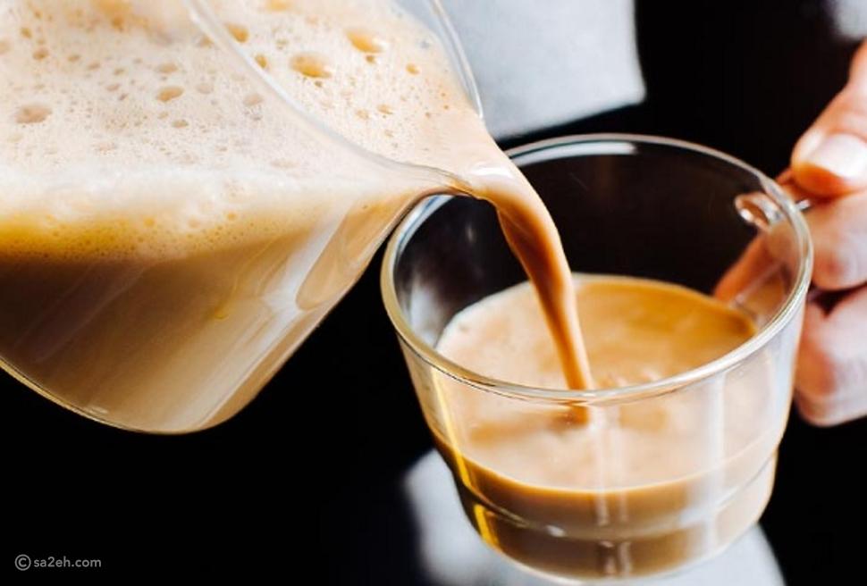 شاهد: كيف يُحضر شاي الكرك على الطريقة الإماراتية؟